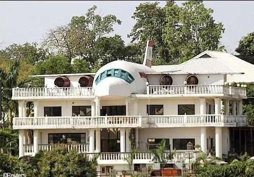 Bangkai Pesawat Murah Untuk Restoran Rumah
